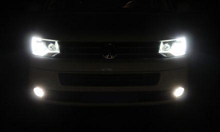 Kaufempfehlung VW T5 HB4 – Birnen und Umbauanleitung: Super Optik für alle T5 mit Xenon mit Philips HB4 Nebelscheinwerferbirnen!