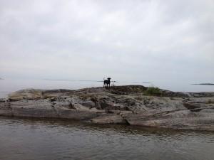 Schweden_VW_T5_California_Camping_Juli_August - Ekenäs_ See _Hund_ Felsen