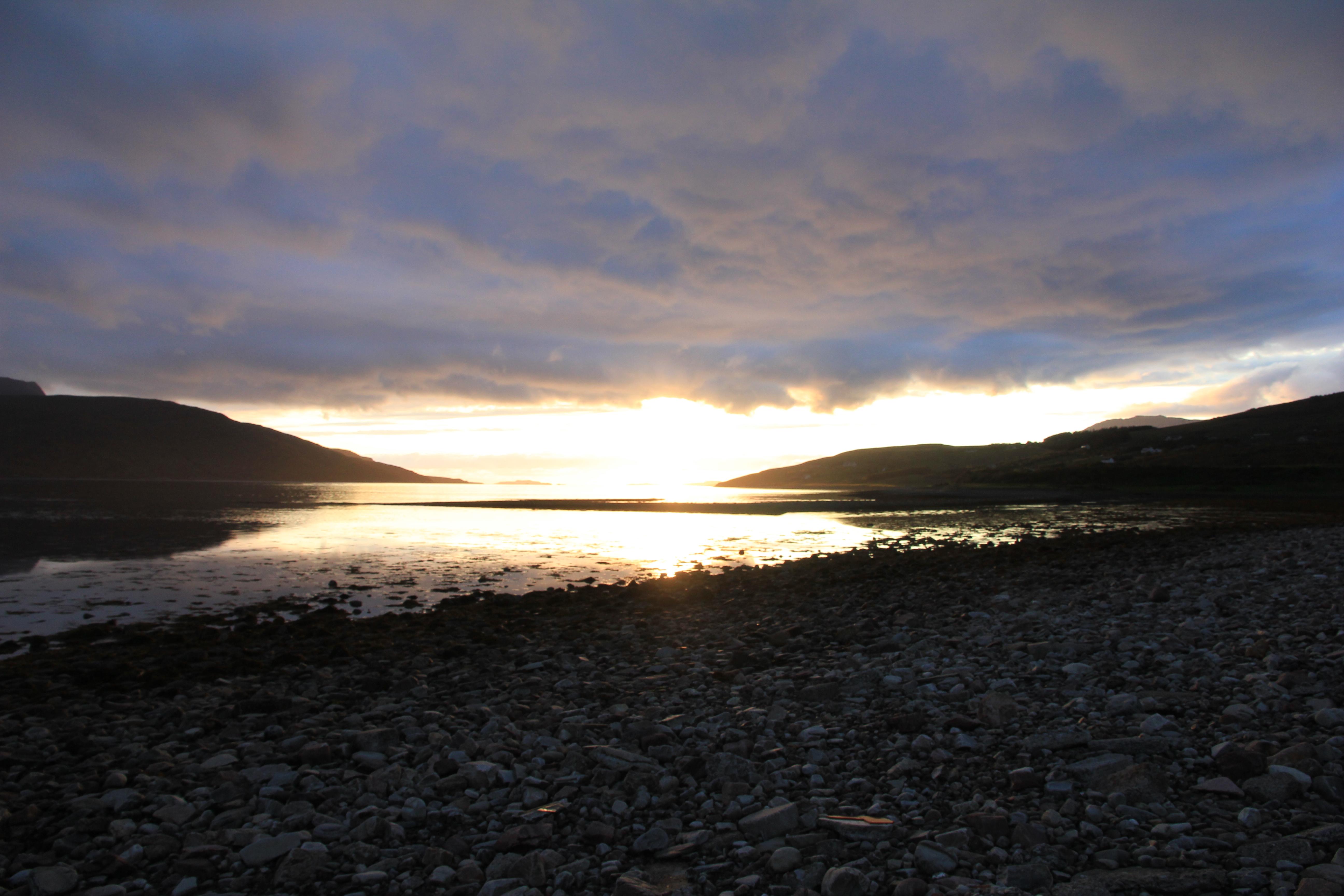 VW T5 T6 California Schottland Roadtrip 2015 Abendstimmung Meer Wolkenspiel Ullapool