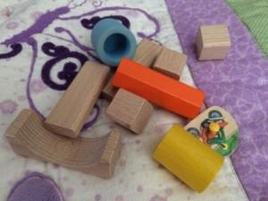 Subwoofer Teufel Gitter Spielzeug Baby sicher schutz Kind Spielsachen Kloetze 03