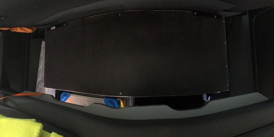 VW T5 T6 California Multivan Gepaeck Kofferraum Trennnung Heckauszug 8652