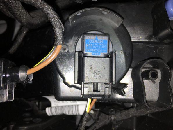 Nebel Scheinwerfer Birne VW T6 T5.3 Wechsel Optik Xenon H11 005