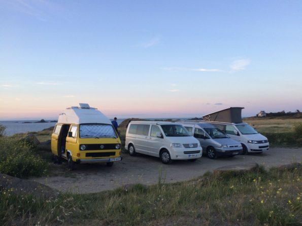 Frankreich Bretagne Meer Roadtrip T5 VW Camping Familie Baby Kind Hund Saint Malo Bucht Wildcamping