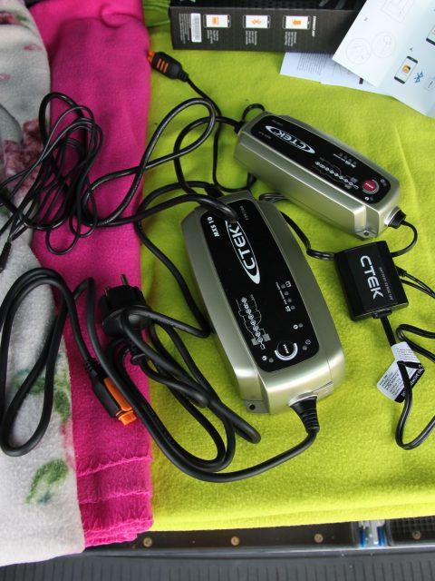 resized_IMG_8806 aussenstrom baterie laden ctek vw volkswagen california beach camper van