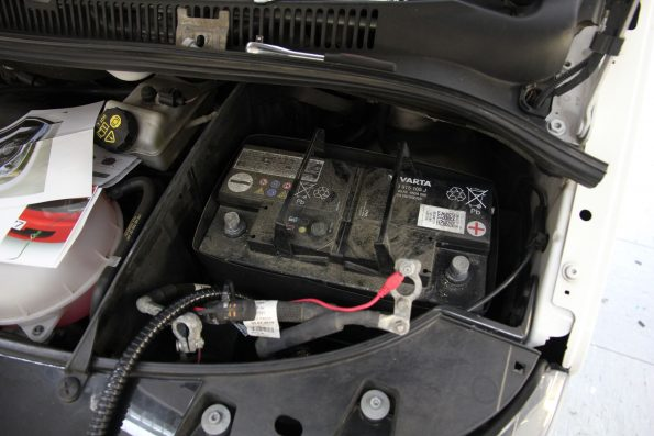 resized_IMG_8813 aussenstrom baterie laden ctek vw volkswagen california beach camper van
