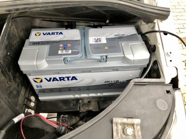 resized_VW T5 T6 Batterie Tausch Wechsel leer kaputt defekt Ersatz Camping Strom neu IMG_5625